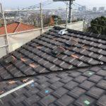 施工事例 : 太陽光パネルが乗った屋根のリフォーム2