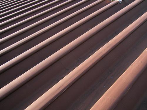 施工事例:屋根と金具